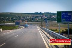Az elkerülő utat Andornaktálya mellett zajvédő fallal Fotó: Keller Richárd