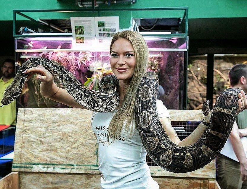 A gyönyörű Krisztina bevállalósabb nővérénél /Fotó: Facebook