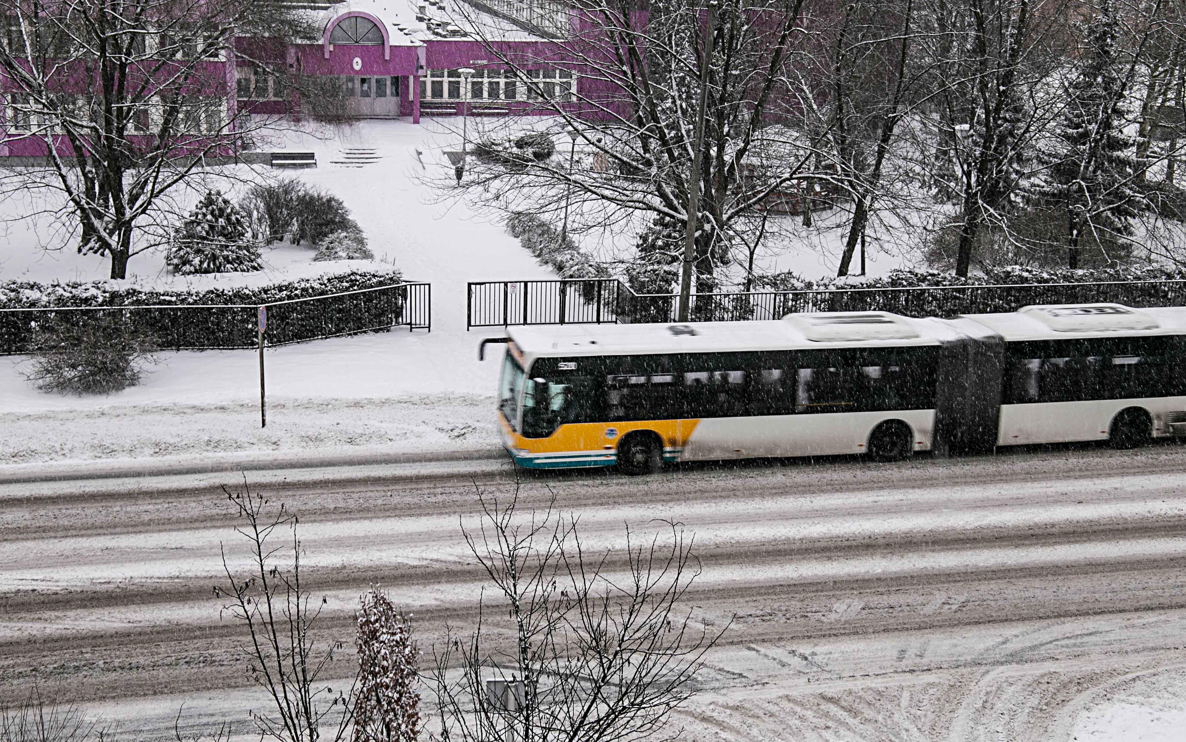 A Rákóczi utat vastagon fedi be a hó